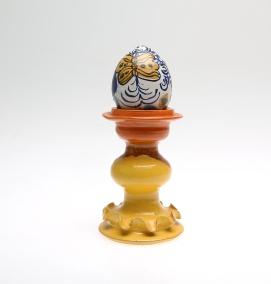Handdrejad skulptur, 20,5 cm hög, Kalmar auktionsverk/auctionet.com, utrop 500 kr, klubbad för 300 kr. År 2015.